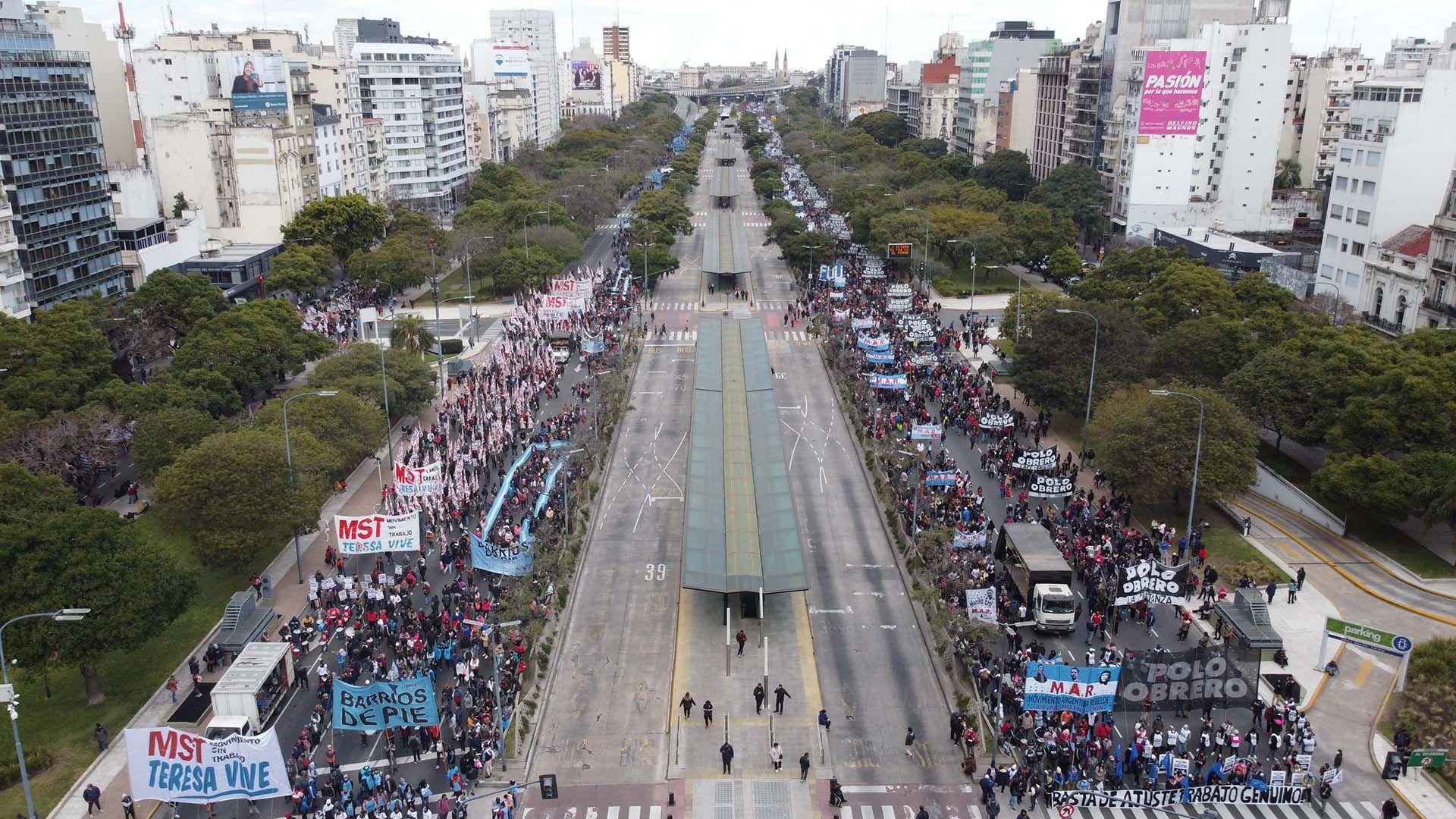 Marcha Polo obrero - ministerio de desarrollo