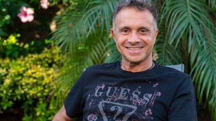 """Sergio Lapegüe habla de su nuevo libro, que empezó a escribir como catarsis y terminó luego de su internación por coronavirus: """"Fue un designio del destino"""""""