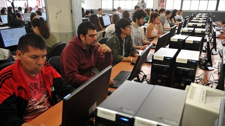 El Frente de Todos presentó pruebas que durante el primer simulacro el software experimentó fallas (foto: Telam)