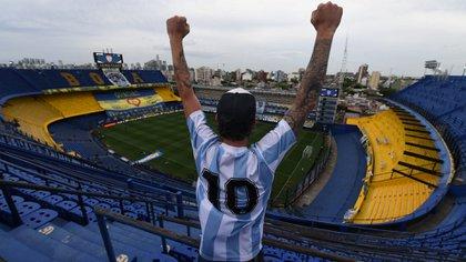 Hubo diversos homenajes a Diego Maradona en el duelo entre Boca y Newell's (Maximiliano Luna/cf/Telam)