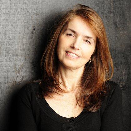 Gloria Casañas (Alejandra López)