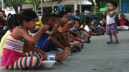 La población infantil sin sus padres debido a la crisis migratoria asciende a 943.117 (EFE/archivo)
