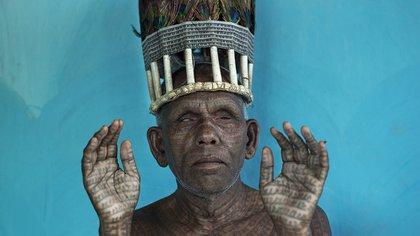 Chef de la tribu Ramnami en Chhattisgarh, India. Formada en la década de 1890, la secta se ha convertido en una fuerza dominante en la vida religiosa de la zona<br> Mattia Pas / National Geographic Photo Contest 162