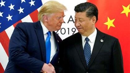 El presidente de Estados Unidos, Donald Trump, durante una reunión con el presidente chino Xi Jinping en la cumbre de líderes del G20 en Osaka, Japón, el 29 de junio de 2019 (REUTERS/Kevin Lamarque/File Photo)