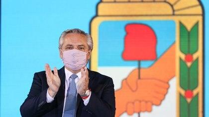 Alberto Fernández asumió la presidencia del PJ