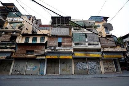 La calle comercial Hang Duong de Hanoi permaneció completamente cerrada durante más de dos meses (Reuters/ Kham)