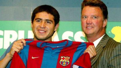 Riquelme no triunfó en Barcelona porque tenía como técnico a Van Gaal — Leyenda del Barza