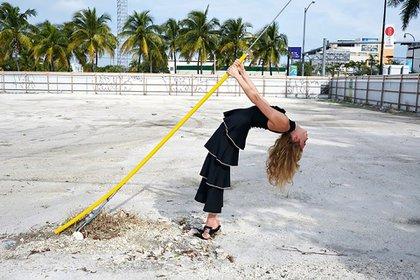 """""""Special K"""". Otra de las fotos más comentadas por la postura de la modelo en la playa (@MCiatica)"""