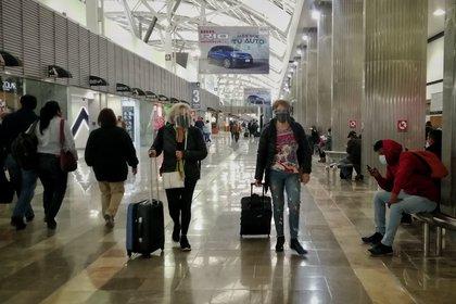 En diciembre comenzaron a retomarse vuelos procedentes de Europa, como los trayectos de la aerolínea British Airways, o Evelop (Foto: Andrea Murcia/Cuartoscuro)