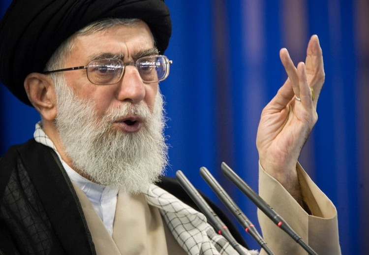 """Hagan lo que sea necesario"""" para aplacar las protestas, ordenó el líder supremo de Irán, el ayatollah Ali Khamenei, antes de que se desate la represión (Reuters)"""