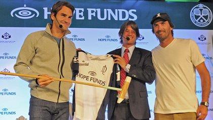 Top: Blaksley junto a Roger Federer y Adolfo Cambiaso
