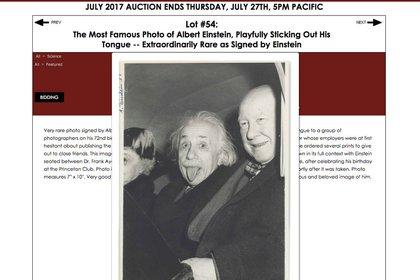 Así se presentó la famoso foto de Einstein en un sitio de subastas (Nate Sanders Inc)