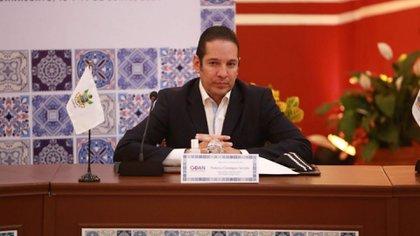 El ahora gobernador de querétaro, Francisco Dominguez Servién, había exigido pagos en efectivo al PRI para votar a favor de la Reforma Energética (Foto: Twitter @PanchDominguez)