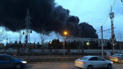 Para sofocar el incendio se necesitó de m(Foto: Twitter – @TatAtfender)