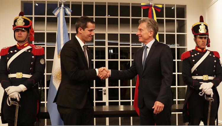 Mauricio Macri recibió a Juan Guaidó en la quinta de Olivos. El presidente apoya a su colega interino de Venezuela, y apuesta a una transición democrática sin Nicolás Maduro en el poder