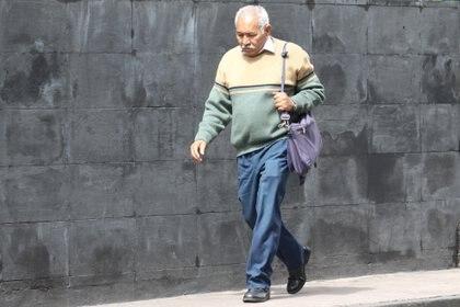 Sube, inter alia, el aumento de las cotizaciones a las pensiones y reduce la exigencia de cotizaciones semanales para acceder a una pensión (Rodolfo Angulo / Cuartoscuro)