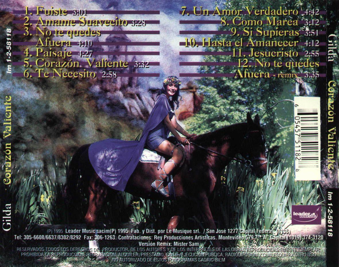 Otra de las tomas de Fabrykant, con Gilda arriba de un caballo