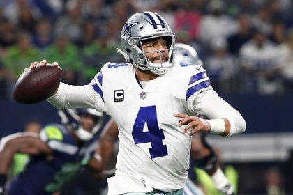 Dak Prescott negoció su continuidad en el equipo de Dallas (Texas, EE.UU.) de la NFL (Foto: EFE/Mike Stone)