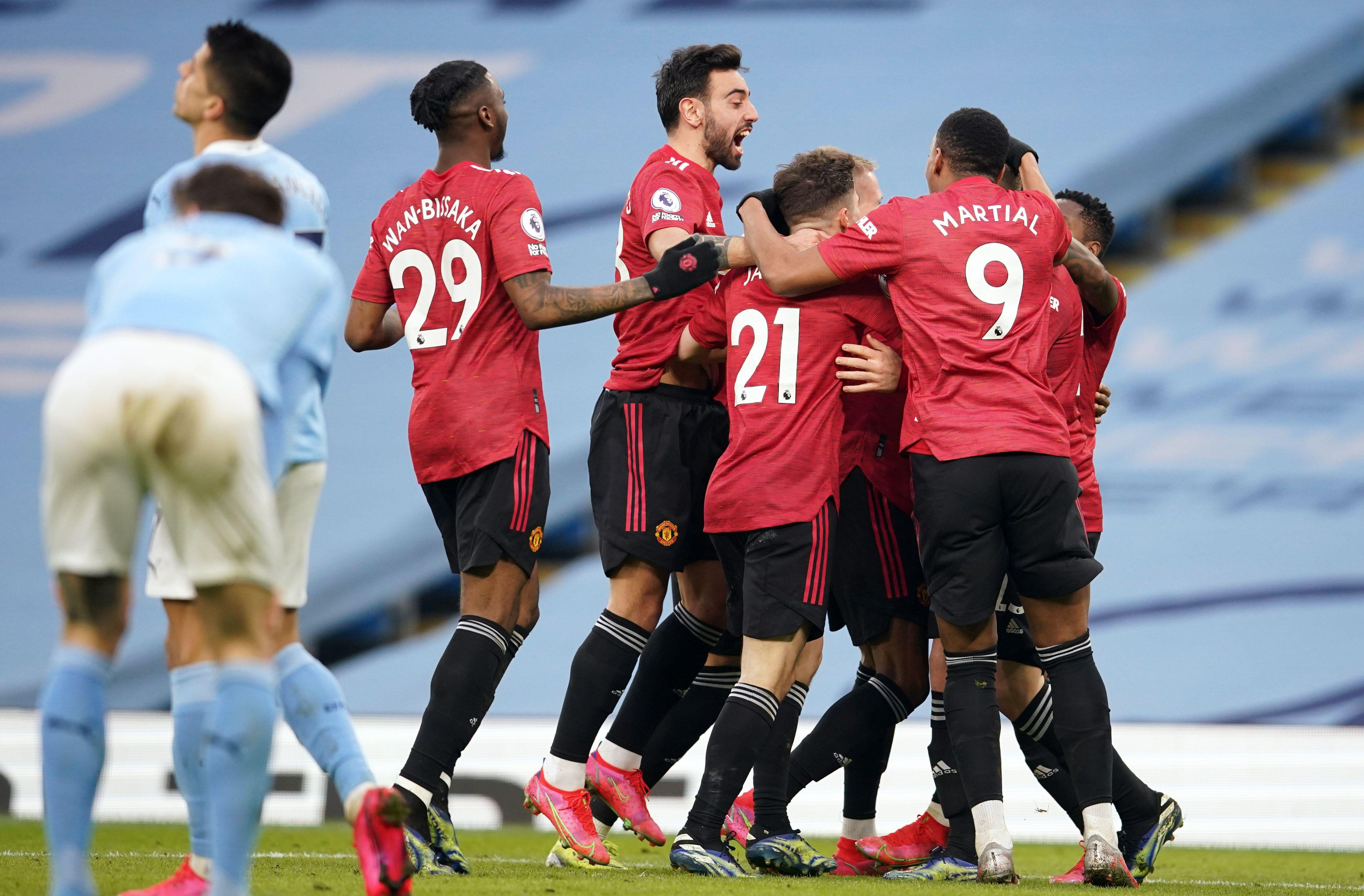 Los jugadores del United festejan el segundo tanto (REUTERS/Dave Thompson).