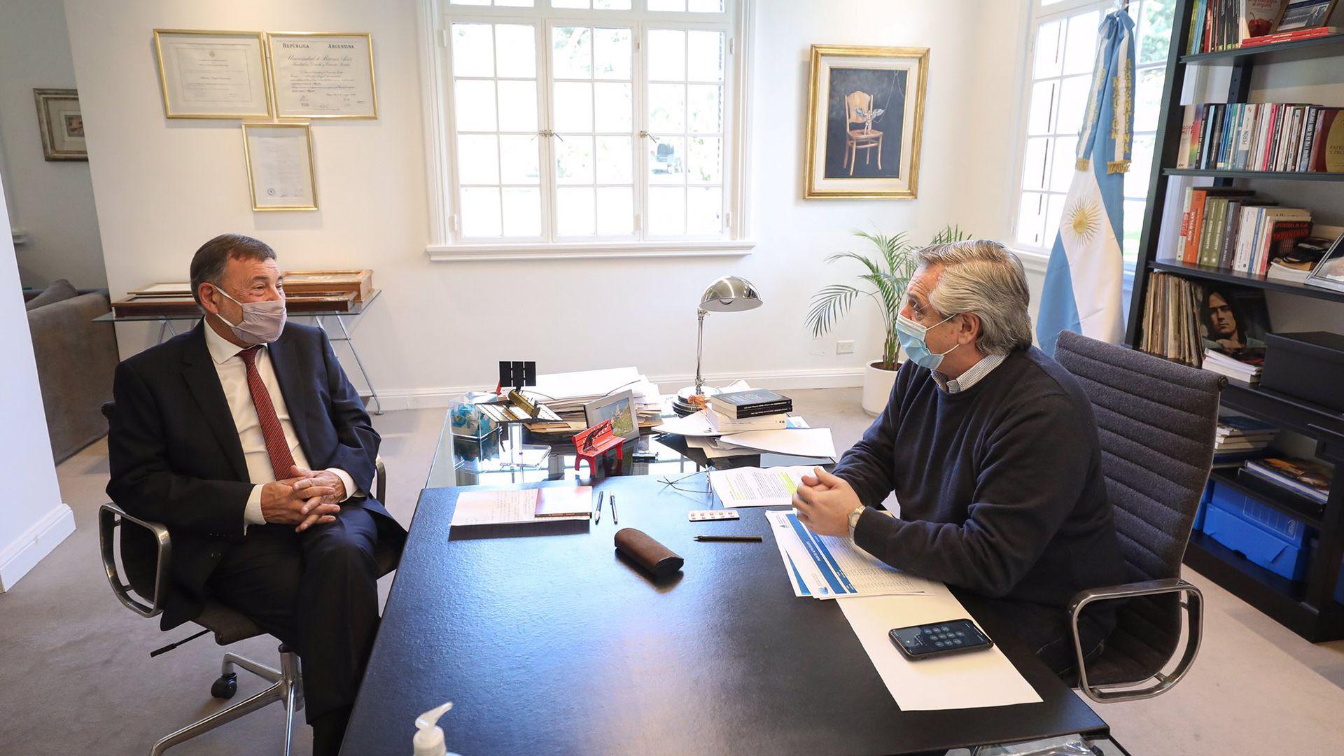 Alberto Fernández con Carlos Caserio