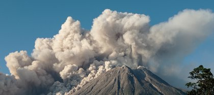 Mount Sinabung spews some 5,000-metre-high of hot ash into the sky seen from Karo, North Sumatra on March 2, 2021. (Photo by Sastrawan Ginting / AFP)