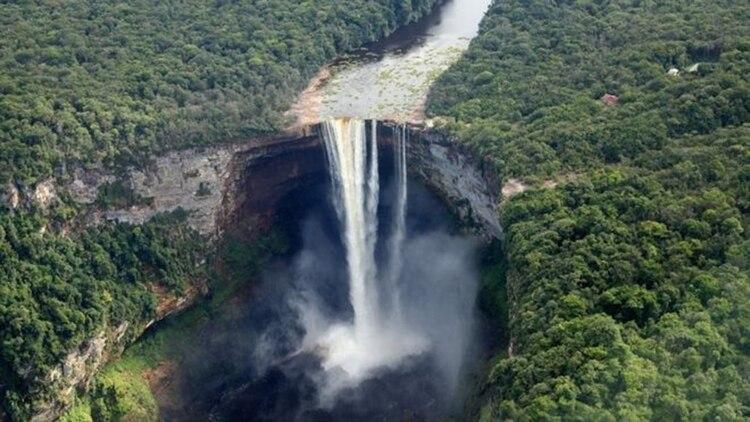 Las cataratas Kaieteur están ubicadas en la zona en disputa, conocida por lo venezolanos como Guyana Esequiba