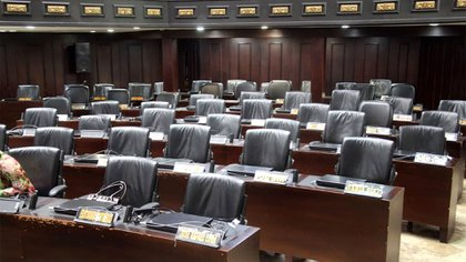 El chavismo dejó este martes sus asientos vacíos una vez más, a pesar del acuerdo con un grupo de opositores