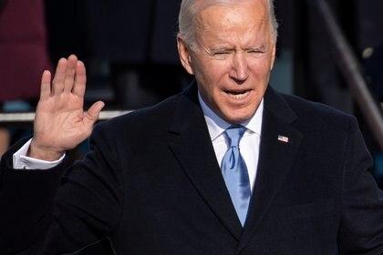 U.S. President-elect Joe Biden is sworn in as the 46th U.S. President, at the U.S. Capitol in Washington, U.S., January 20, 2021.  Saul Loeb/Pool via REUTERS