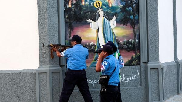 La fuerzas han reprimido brutalmente las manifestaciones en Nicaragua. (Reuters)