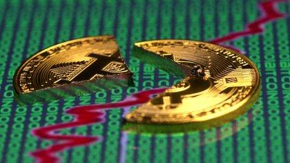 La cotización del Bitcoin cayó de USD 20.000, a fines de 2018, a USD 3.200 un año después. Ahora, USD 5200 (Reuters)
