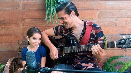 Vadhir Derbez mostró el talento musical de su hermana Aitana (IG: vadhird)