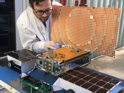 """Los investigadores buscan desarrollar el pequeño instrumento de la categoría satelital denominada """"CubeSat"""""""