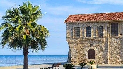 Chipre, la isla mediterránea conocida por sus playas, sus regiones vitivinícolas y sus fascinantes sitios arqueológicos, anunció que a partir del 1° de abril abrirá sus fronteras a los ciudadanos israelíes que estén vacunados