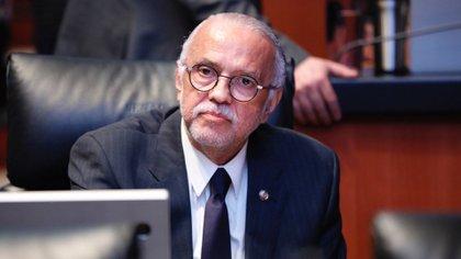 Navarro se desempeñó los últimos tres años como senador de la República por Morena (Foto: Twitter @MiguelANavarroQ)