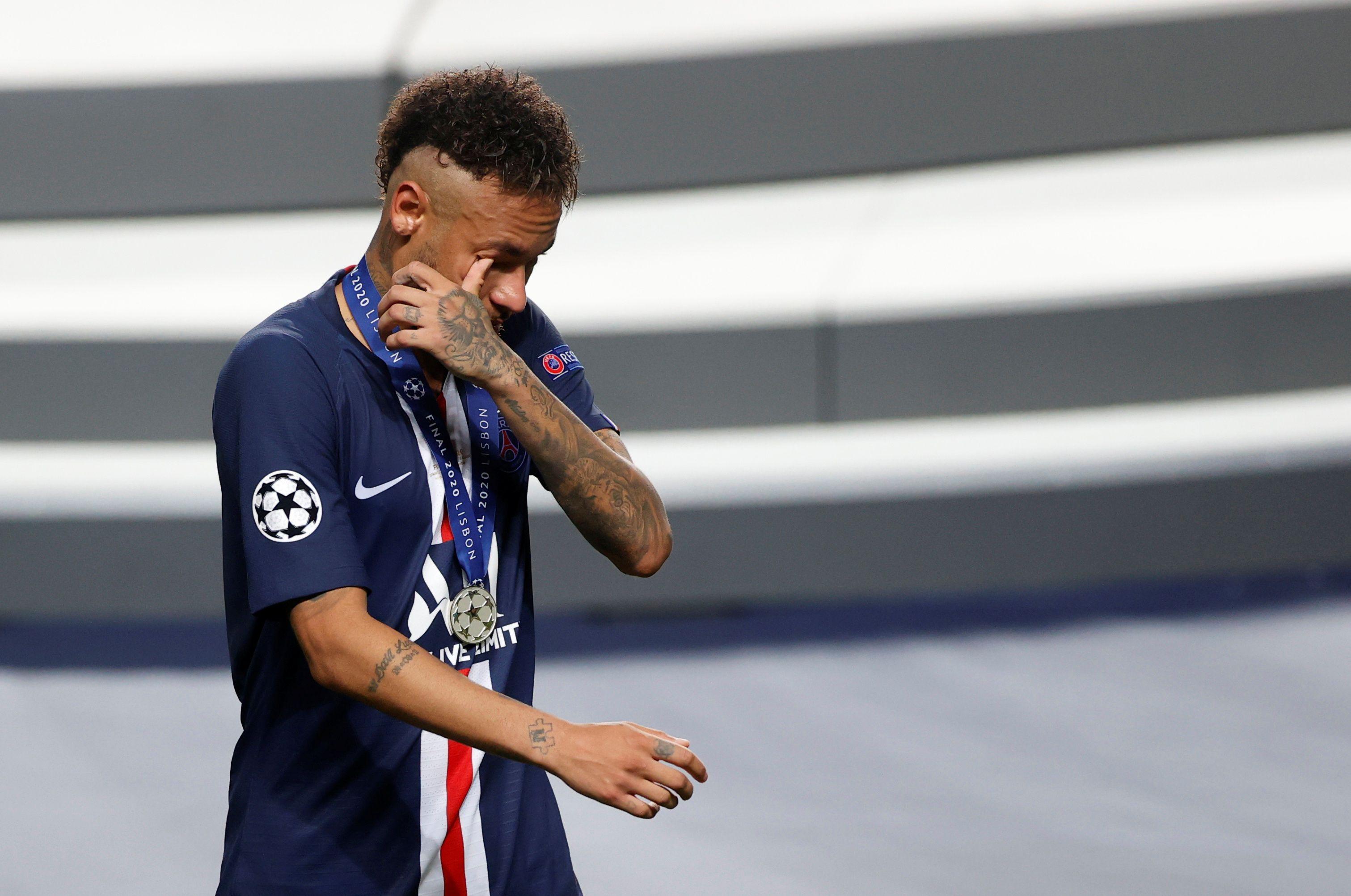 El dolor de Neymar tras caer en la final de la Champions League (REUTERS/Matthew Childs/Pool)
