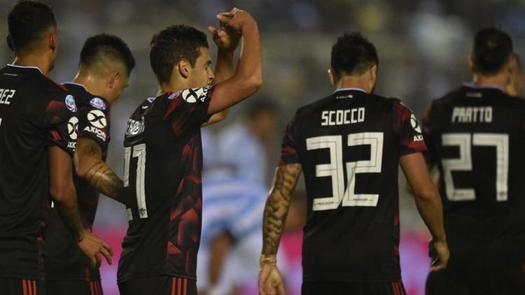 """River ganó una """"final"""" en Tucumán ante Atlético y le arrebató, por el momento, una plaza a la próxima Copa Libertadores"""