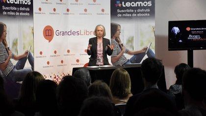 Sarlo ante sala llena durante el lanzamiento de la red social Grandes Libros (Nicolás Stulberg)