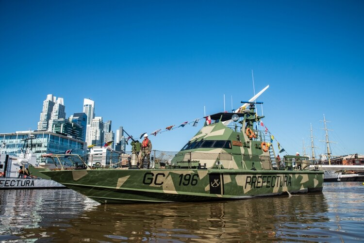 Las modernas naves patrulleras de la PNA son de construcción Israelí