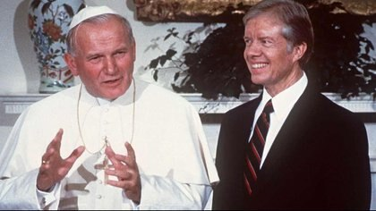 6 de octubre de 1979, Juan Pablo II junto al presidente Jimmy Carter en la Casa Blanca (Reuters)