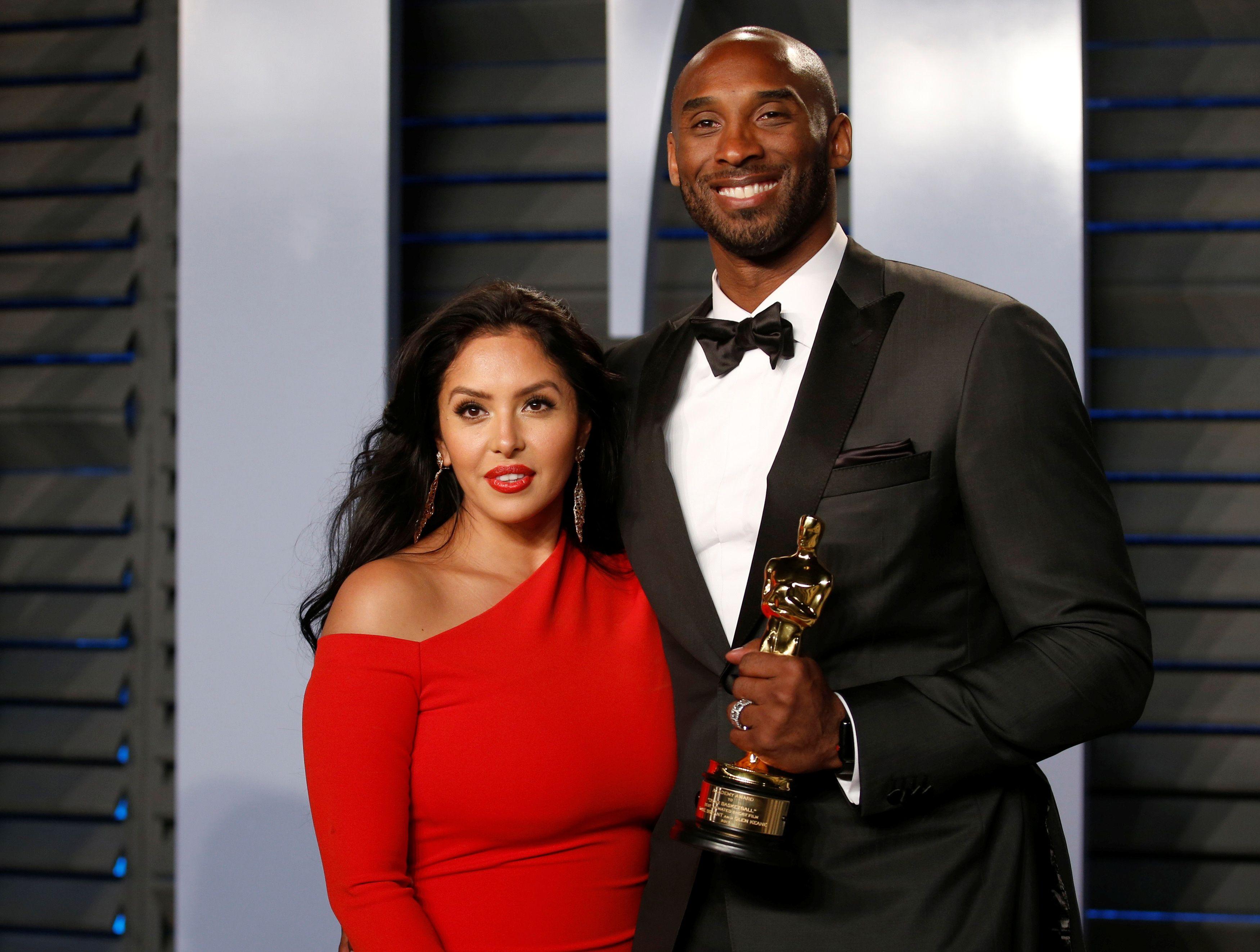 Kobe Bryant y su mujer Vanessa (REUTERS/Danny Moloshok).