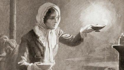 Conocida como la dama de la lámpara, Florence hacía rondas sanitarias para observar la evolución de los soldados en Guerra de Crimera