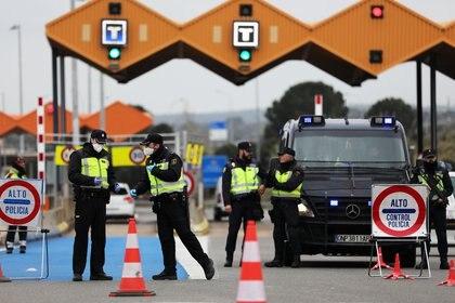 Control fonterizo entre España y Francia en La Jonquera, uno de los que quedará liberado al paso para viajeros de la UE este domingo.