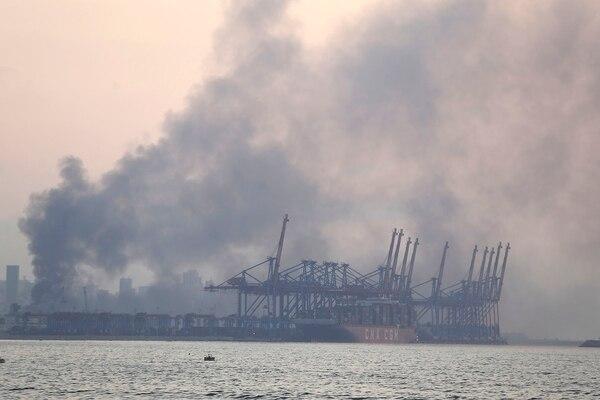 Las fotos del estallido en los depósitos del puerto de Beirut - Infobae