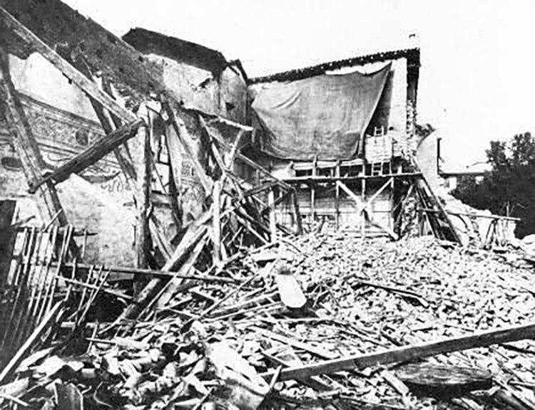 Milan, La última cena de Leonardo da Vinci cubierta y salvada durante el bombardeo del 15 de agosto de 1943
