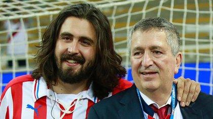 Jorge Vergara (derecha) con su hijo, Amaury (Foto: Especial)