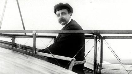 Louis Bleriot a bordo de uno de sus monoplanos (Granger/Shutterstock)