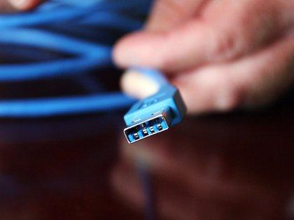 Conectar el móvil o laptop a cualquier puerto de carga puede ser un riesgo para la seguridad del equipo