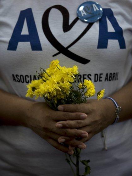 En la imagen, un miembro de la denominada Asociación Madres de Abril, en Managua (Nicaragua). EFE/Jorge Torres/Archivo