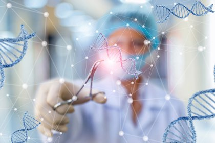 The New England Journal of Medicine (NEJM) y BMC Medicine publicaron que el análisis de asociación del genoma puede permitir la identificación de factores genéticos potenciales involucrados en el desarrollo de la enfermedad. (Shutterstock)