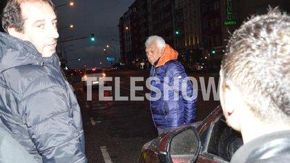 """Raúl Lavié llegando al teatro para hacer la función de """"La jaula de las locas"""" (Foto: Eduardo Aguada/Teleshow)"""